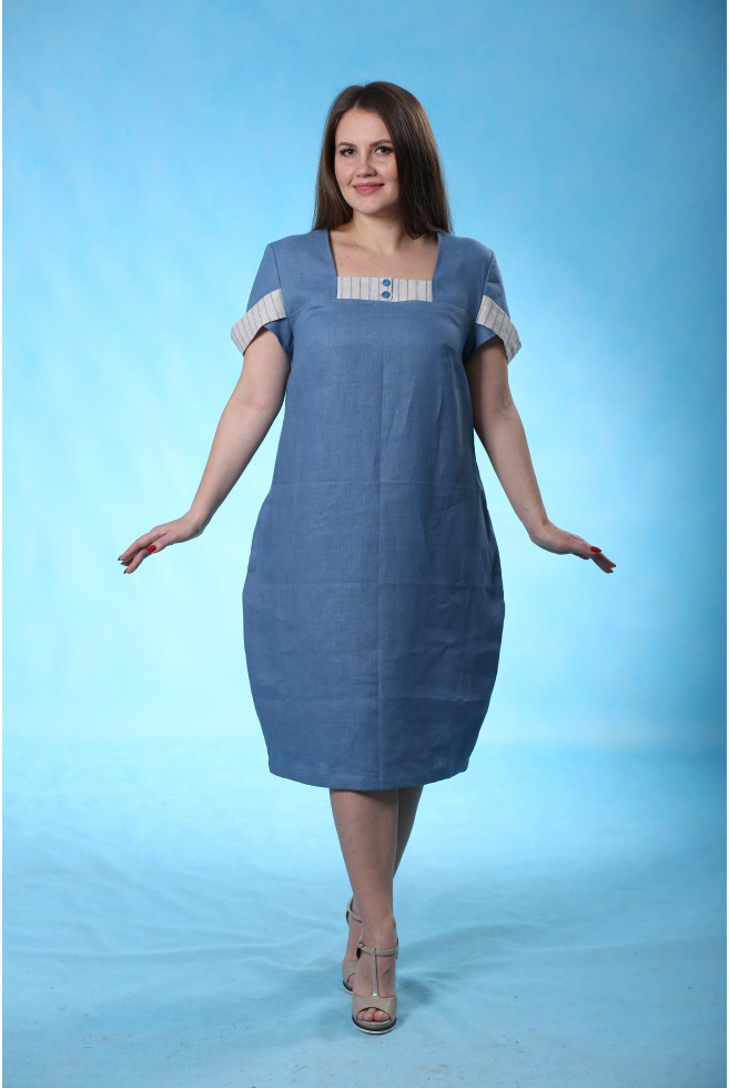 Платье с декоративной деталью